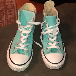Torqoisue Converse size 8 high top